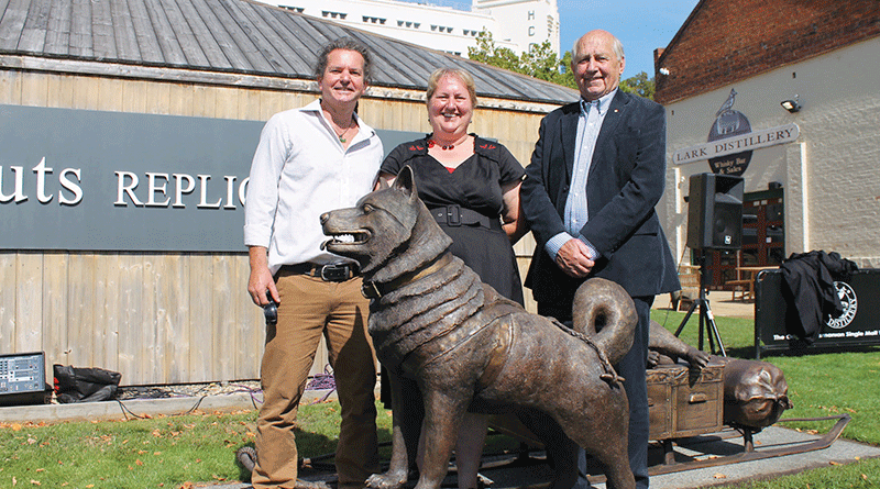 Sculptures honour legacy of Mawson's husky history